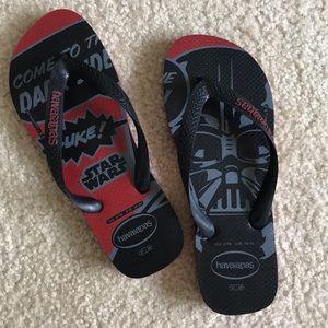 Star Wars flip flops size 6/7